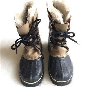 SOREL BOOTS YOUTH 3 IS WOMEN 5.5 APPROXIMATELY EUC